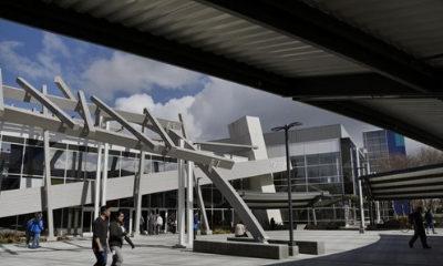 Google pays $1 billion to buy property near its headquarters